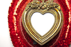 Marco del corazón en fondo rojo foto de archivo libre de regalías