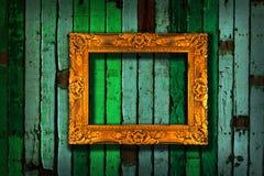 Marco en el verde de la vendimia pintado de madera Imagenes de archivo