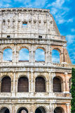 Marco famoso Colosseum em Roma, Itália Foto de Stock