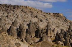 Marco famoso de Cappadocian - colunas de pedra vulcânicas originais Imagem de Stock