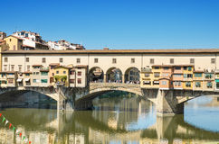 Marco famoso Ponte Vechio em Firence, Itália Imagens de Stock