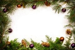 Marco Glittery del follaje de la Navidad imagenes de archivo