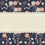 Marco hermoso del cordón con las flores y las mariposas en el bl Fotos de archivo