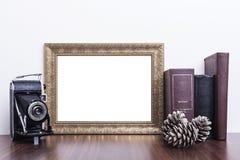 Marco horizontal del oro Fotografía de archivo libre de regalías