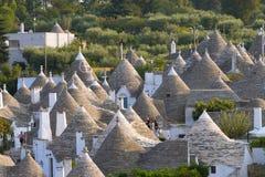 Marco italiano famoso, trulli de Alberobello, região de Apulian, Imagem de Stock