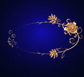 Marco oval del oro con una rosa Foto de archivo libre de regalías