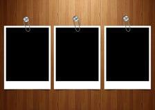 marco polaroid con el backgroud de madera libre illustration