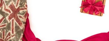 Marco que cubre decorativo de la bandera de la materia textil Figura roja de la bufanda del ` s de las mujeres la bandera británi Imagen de archivo libre de regalías