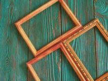 Marco rectangular con el espacio de la copia, en un fondo de madera auténtico hermoso Imágenes de archivo libres de regalías