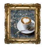 Marco rectangular de plata hermoso con un ornamento, café del vintage del macchiato del café express con el corazón de la espuma  imagen de archivo