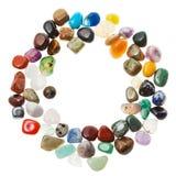 Marco redondo de las piedras de gema minerales aisladas imagenes de archivo