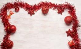 Marco rojo de la decoración de la Navidad Imagenes de archivo
