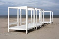 Marcos blancos en la playa Fotos de archivo