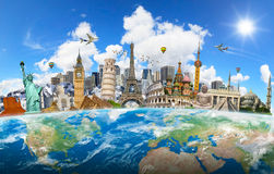 Marcos famosos do mundo agrupado junto na terra do planeta Fotografia de Stock
