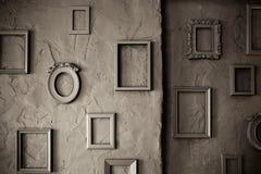 Marcos vacíos del vintage en un fondo sucio Fotos de archivo