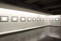 Marcos vacíos en escaparate Imagenes de archivo