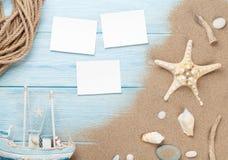 Marcos y artículos del viaje y de la foto de las vacaciones Foto de archivo libre de regalías