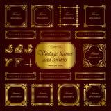 Marcos y esquinas caligráficos - sistema del vintage de oro del vector Imagenes de archivo