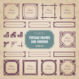 Marcos y esquinas caligráficos - sistema del vintage del vector Fotografía de archivo