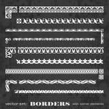 Marcos y fronteras caligráficos con los elementos de la esquina en un fondo de la pizarra - sistema del vector Foto de archivo