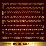 Marcos y fronteras caligráficos de oro con los elementos de la esquina - sistema del vector Fotos de archivo libres de regalías