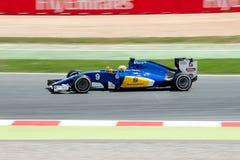 Marcus Ericsson conduit la voiture d'équipe de Sauber F1 sur la voie pour le Formule 1 espagnol Grand prix chez Circuit de Catalu Photographie stock libre de droits