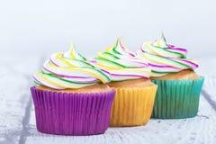 Mardi Gras cupcakes στοκ φωτογραφίες με δικαίωμα ελεύθερης χρήσης