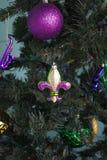 Mardi Gras Fleur de lis prydnad royaltyfria bilder