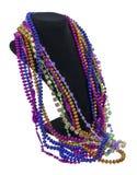 Mardi Gras pärlor på en halsdatalista arkivbilder