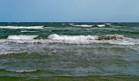 Mare agitato dopo una tempesta Immagine Stock