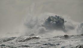 Mare agitato e grande onda Immagine Stock Libera da Diritti
