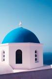 Mare bianco della chiesa del tetto degli azzurri Immagini Stock