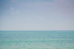 Mare blu (effetto d'annata elaborato immagine filtrato ) immagine stock