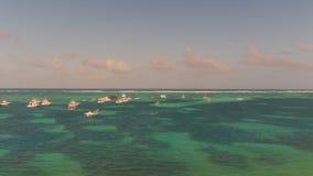 Mare con gli yacht sulla cima Fotografia Stock