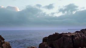 Mare con i cumuli stock footage