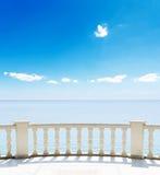 Mare da un terrazzo Fotografie Stock