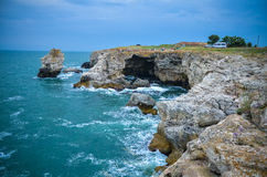 Mare della Bulgaria della spiaggia delle scogliere di Tyulenovo Fotografia Stock Libera da Diritti