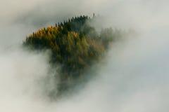 Mare della montagna delle nuvole Fotografia Stock Libera da Diritti