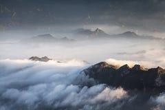 Mare della nuvola della montagna di Wuling immagini stock libere da diritti