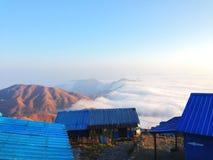 mare delle nuvole sull'alta montagna Fotografia Stock Libera da Diritti