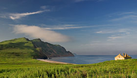 Mare di Giappone. Autunno. Grande Pelis isl. Fotografie Stock Libere da Diritti