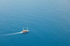 Mare di navigazione della barca o della nave Fotografia Stock Libera da Diritti