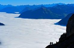 Mare di nebbia sopra il lago Lucerna Immagini Stock Libere da Diritti