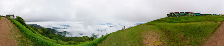 Mare di panorama di foschia sull'alta montagna Fotografie Stock Libere da Diritti