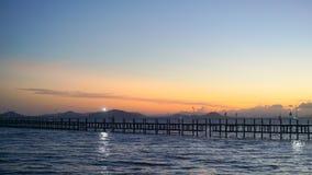 Mare di tramonto del ponte Immagini Stock Libere da Diritti