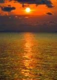 Mare dorato di mattina Immagini Stock