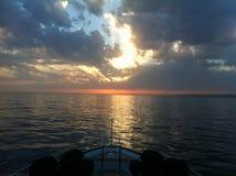 Mare e cielo drammatici più leggeri Fotografia Stock Libera da Diritti
