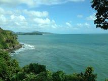 Mare e cielo meravigliosi orizzontali sulla vacanza a Krabi Tailandia Immagine Stock