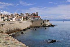 Mare e città di Antibes in Francia Fotografie Stock