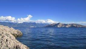 Mare e montagne Immagine Stock